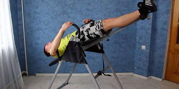 Інверсійний стіл - як вибрати модель тренажера, ефективність терапії і комплекс тренувань