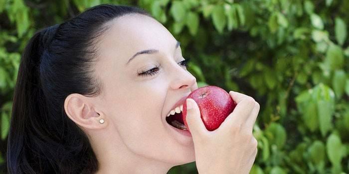Через скільки можна їсти після тренування: як потрібно харчуватися