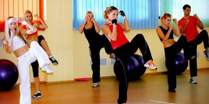 Тай-бо - що це таке, уроки бойових тренувань для дівчат з відео