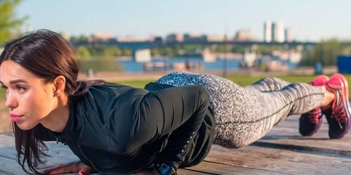 Статичні вправи в домашніх умовах - методика Олександра Засса