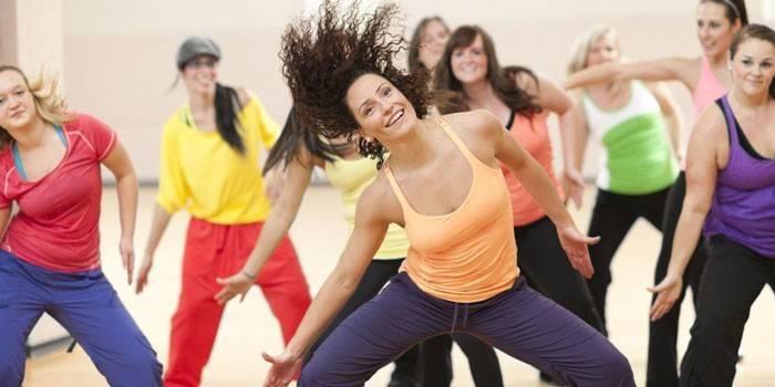 Що таке зумба-фітнес - уроки танців для початківців і базові рухи з відео