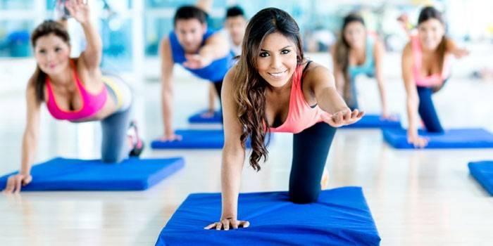 Фітнес-комплекс в домашніх умовах: програми на всі групи м'язів з відео