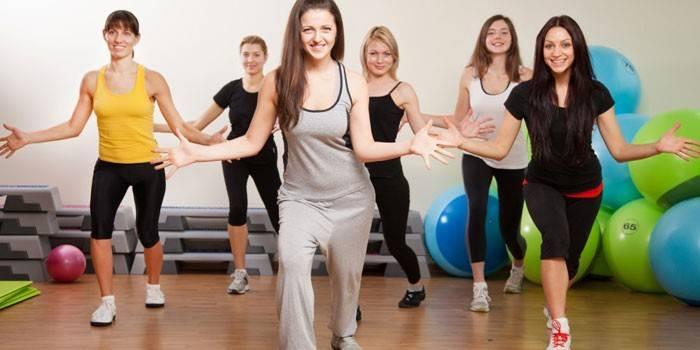 Аеробні вправи - комплекс тренувань для схуднення і спалювання жиру в домашніх умовах відео