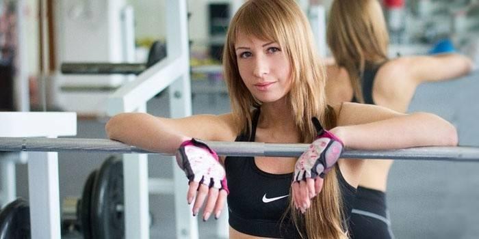 Вправи для грудних м'язів для дівчат - ефективний комплекс тренувань в залі і домашніх умовах
