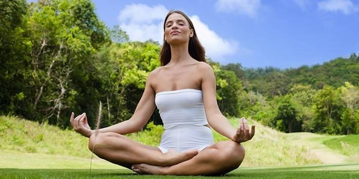 Йога в домашніх умовах для початківців: уроки і вправи