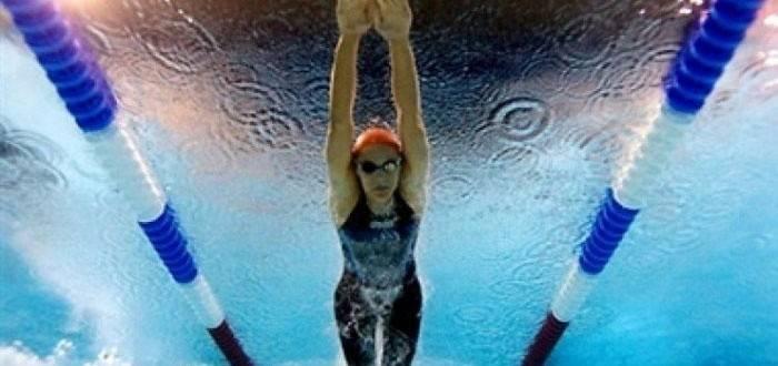 Користь плавання в басейні для жінок, чоловіків і дітей