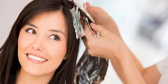 Чи можна фарбувати волосся під час місячних і вплив критичних днів на фарбування