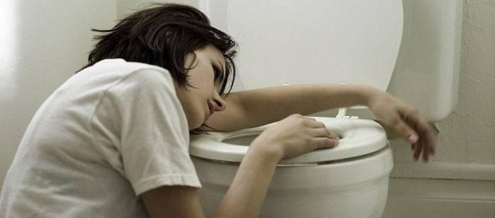 Як позбутися від нудоти швидко в домашніх умовах