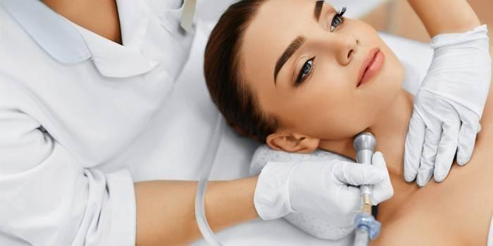 Алмазний пілінг - принцип впливу на шкіру, відгуки і ціна