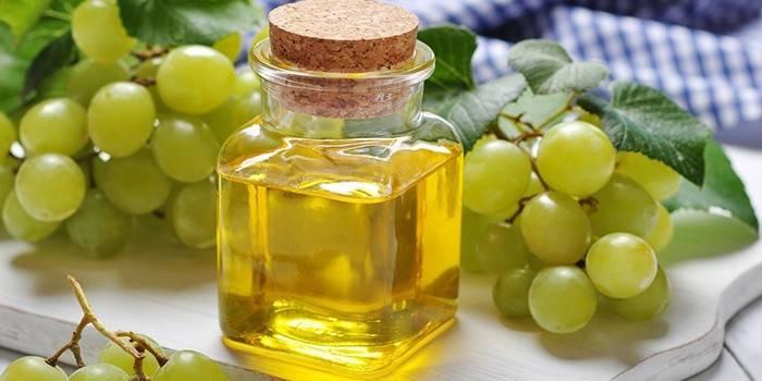 Масло виноградної кісточки для особи: застосування, рецепти масок і відгуки