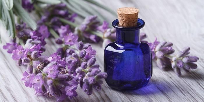 Ефірні олії для обличчя від зморшок: найкращі рецепти для омолодження шкіри