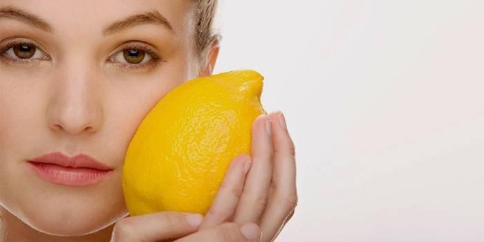 Відбілююча маска для обличчя від пігментних плям в домашніх умовах