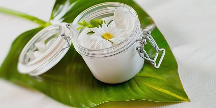 Крем для обличчя в домашніх умовах: як зробити для сухої шкіри і від зморшок