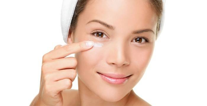 Вітаміни для шкіри обличчя: застосування