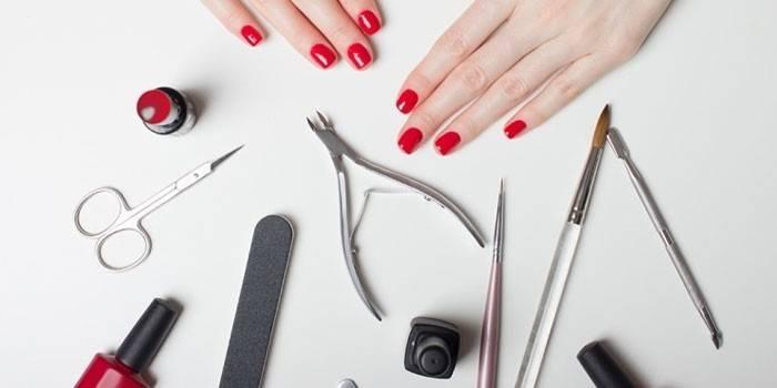 18 необхідних інструментів для дизайну нігтів та манікюру