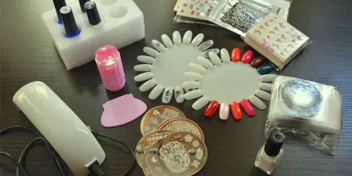 Стемпинг для нігтів - як правильно користуватися і огляд інструментів