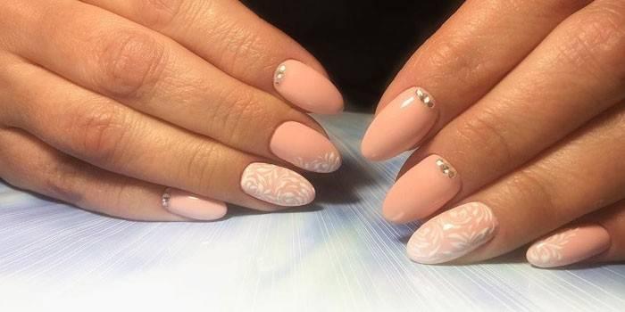 Поєднання кольорів в манікюрі: красиві відтінки для дизайну нігтів