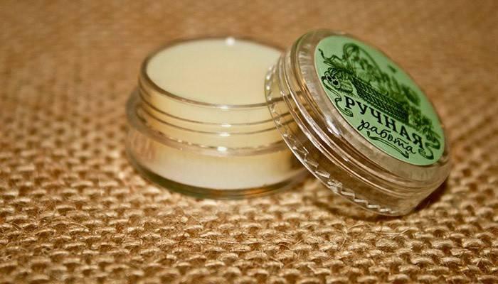 Зміцнення і запечатування нігтів домашніх умовах за допомогою бджолиного воску