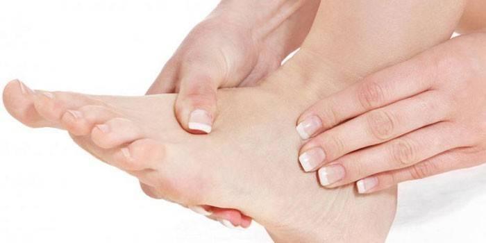 Симптоми тромбу в нозі: перші ознаки тромбозу
