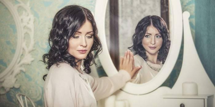 Що робити, якщо розбилося дзеркало - прикмети та поради
