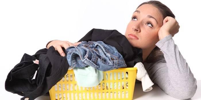 8 способів очистити мазут з одягу - огляд професійних і народних методів