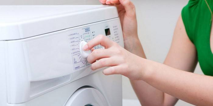 Як почистити пральну машину лимонною кислотою від накипу, запаху і цвілі в домашніх умовах