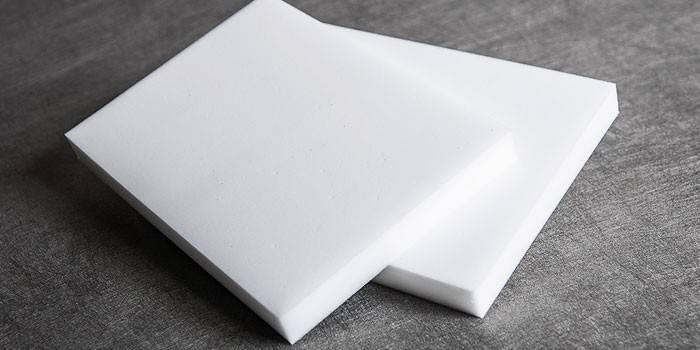 Меламінова губка - користь і шкода, інструкція по застосуванню і що чистить з відгуками
