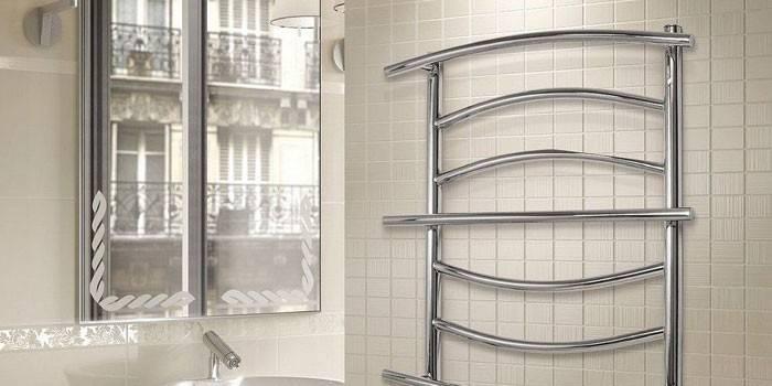 Полотенцесушитель електричний в ванну - принцип роботи, який краще вибрати і де купити