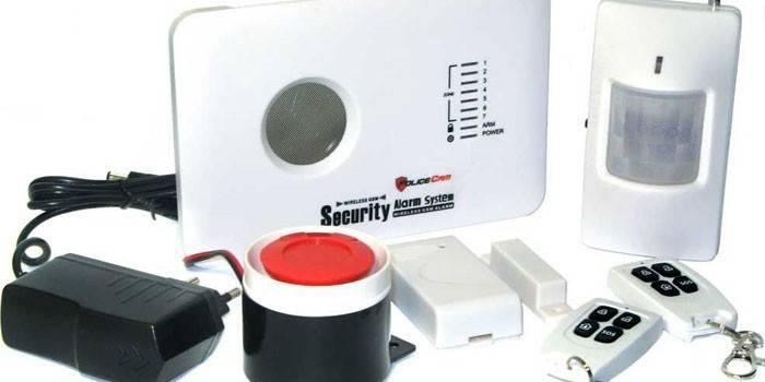 GSM-сигналізація для дому - провідні та безпровідні системи з датчиками руху і відеокамерами