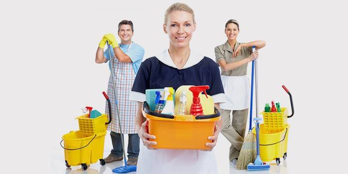Швабра з віджиманням - це зручна сучасна система для професійного прибирання приміщень