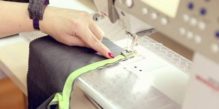 Як вшити потаємну блискавку на сукні: технологія втачіванія прихованого замку, інструменти та матеріали для роботи