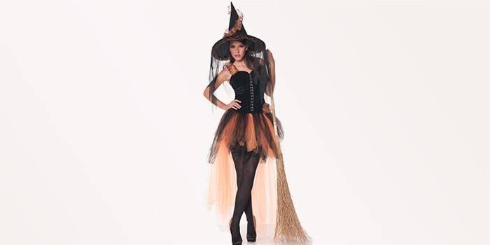 Як одягнутися на Хеллоуїн, якщо немає костюма з допомогою перук, гриму