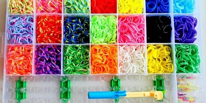 Як плести іграшки з гумок - інструкції і схеми плетіння на верстаті, рогатці, вилці і пальцях з фото і відео