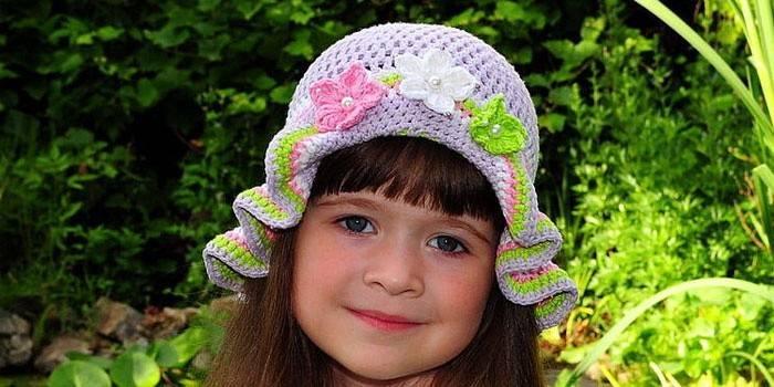 Панамка гачком для дівчинки на літо - схема в'язання з описом і відео
