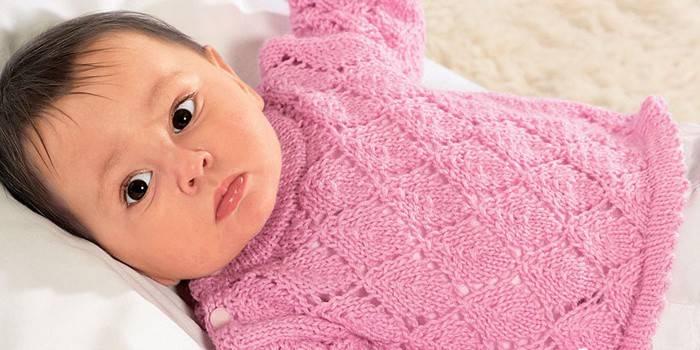Кофтинка для новонародженого спицями - в'яжемо немовляті одяг