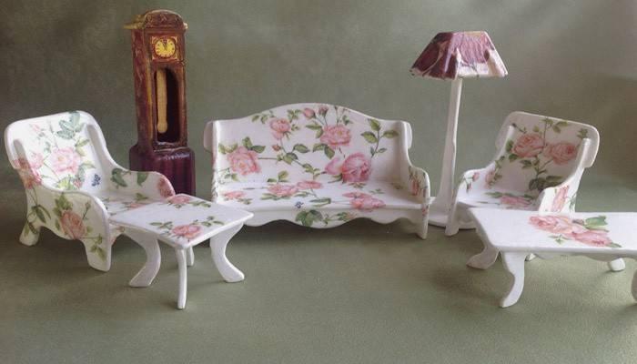 Меблі для ляльок своїми руками: як зробити з підручних матеріалів