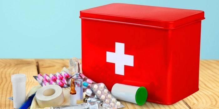 Аптечка для новонародженого - повний список необхідного на перший час