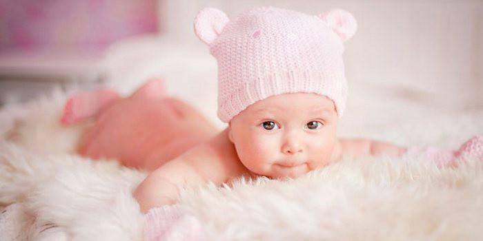 Як підмивати новонароджену дівчинку: правила дитячої інтимної гігієни