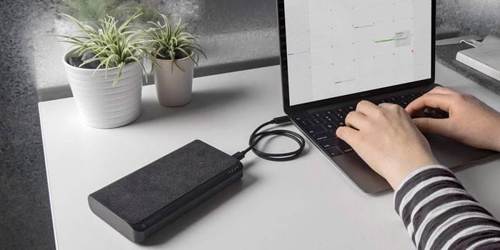Як зарядити ноутбук без зарядного пристрою power bank, від прикурювача в автомобілі
