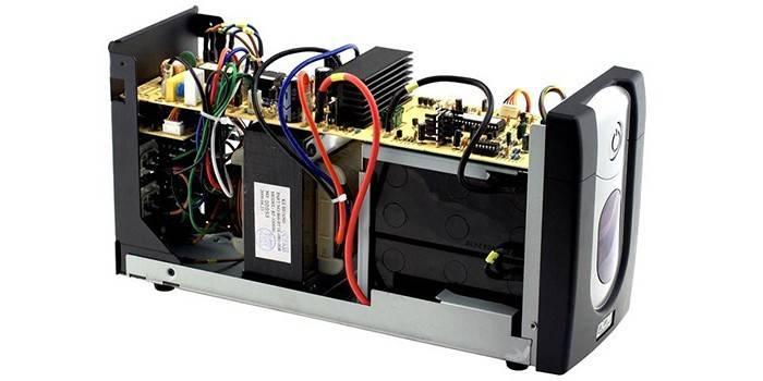 ДБЖ для комп'ютера - рейтинг пристроїв по потужності, і вартості бренду