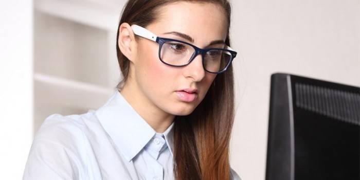 Комп'ютерні окуляри - як правильно підібрати, користь і шкоду, опис моделей з відгуками та цінами