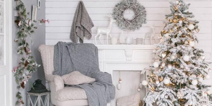 7 стильних варіантів прикраси новорічної ялинки: ідеї оформлення ошатного