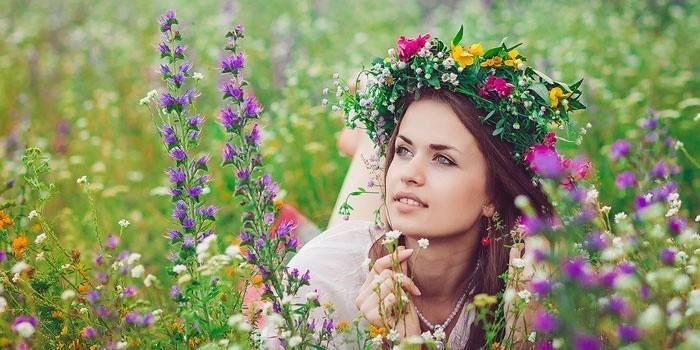 Пози для фотосесії на природі - ідеї красивих і вдалих ракурсів для фото для дівчини, сім'ї або дитини