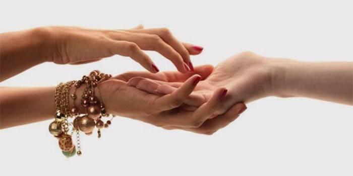 Як гадати по руці по лініях на майбутнє, любов і дітей
