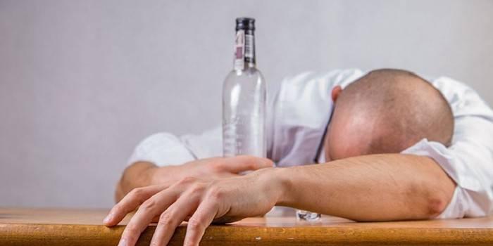 Як жити з алкоголіком і як допомогти йому кинути пити - поради психологів для членів сім'ї