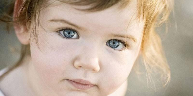 Синці під очима у дитини: чому з'являються і що значать