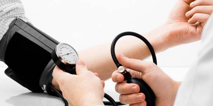 Гіпертензія - що це, на відміну від гіпертонії, стадії хвороби, прояви і чим лікувати в домашніх умовах