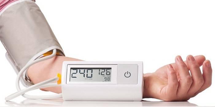 Підвищений тиск - симптоми і ознаки