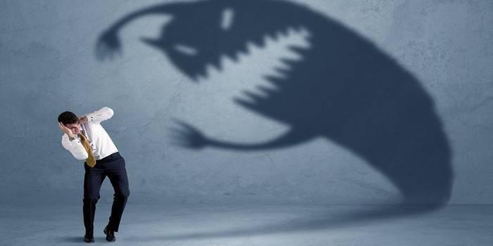 Панічні атаки - ознаки у дітей і дорослих, як боротися самотужки і медикаментозна терапія