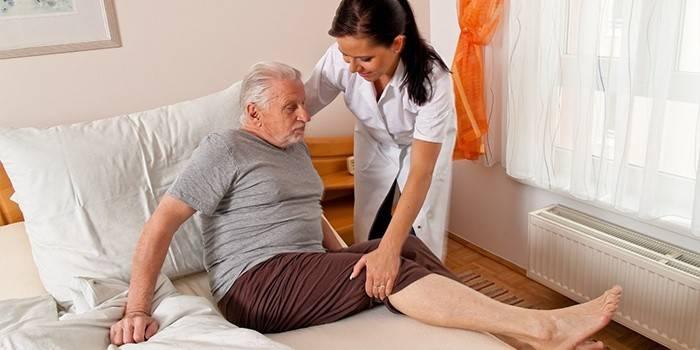 Реабілітація після інсульту в домашніх умовах: вправи і харчування